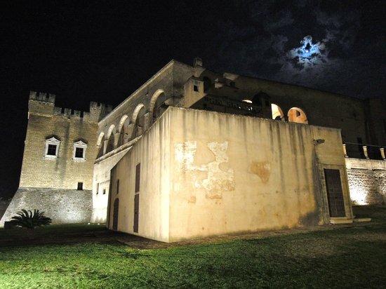 """Antica Masseria Martuccio: Mesagne """" Il castello """""""