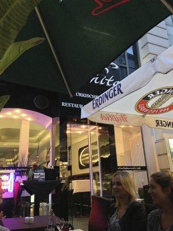 Black & White Turkisches Restaurant & Cafe: View from dehors