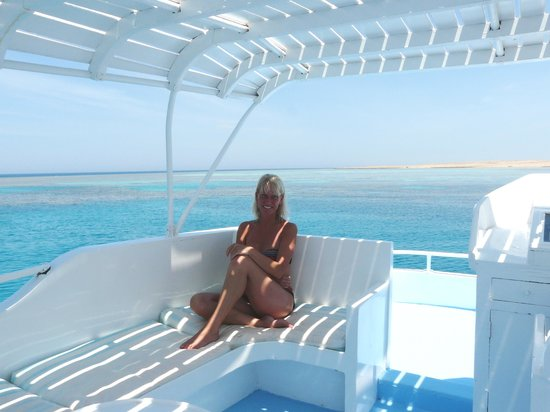 Oceans Red Sea Hurghada : chilling on the boat - magical day
