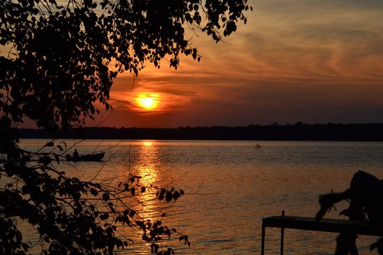 Weaver's Resort & Campground: Sunset from campsite
