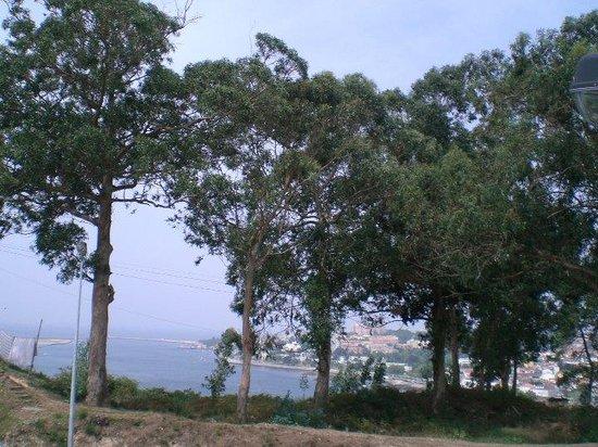 Ibis Porto Gaia: Vista do estacionamento do Hotel para o Rio Douro