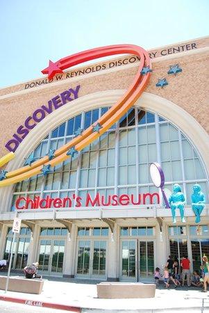 esterno picture of discovery children 39 s museum las vegas tripadvisor. Black Bedroom Furniture Sets. Home Design Ideas