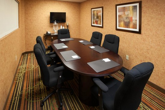 Hampton Inn and Suites Cleveland Southeast Streetsboro: Meeting space