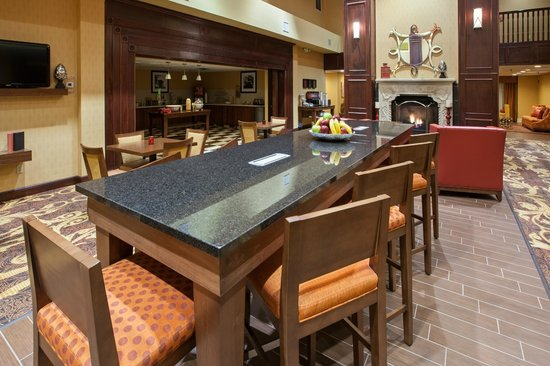 Hampton Inn and Suites Cleveland Southeast Streetsboro: Dining Area