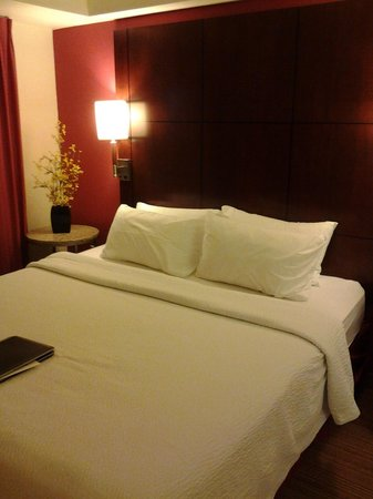 Residence Inn Cincinnati North/West Chester: Bed