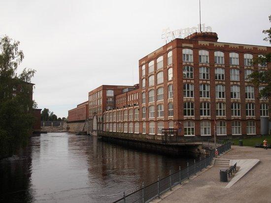 Vapriikin Museokeskus: この建物Tampellaの中庭にあります。