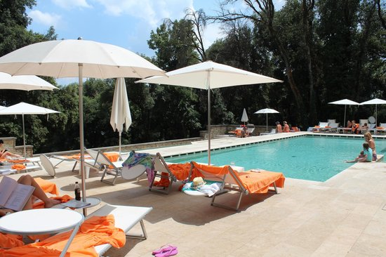 Villa Le Maschere: Pool area