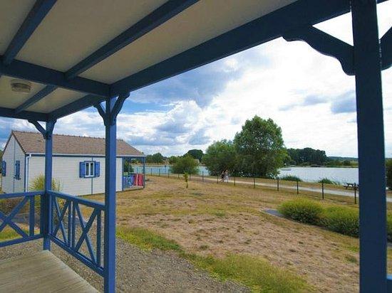 Sarthe, Prancis: Chalets les pieds dans l'eau