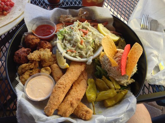 Tiki Waterfront Sea Grill: Appetizer Sampler Special