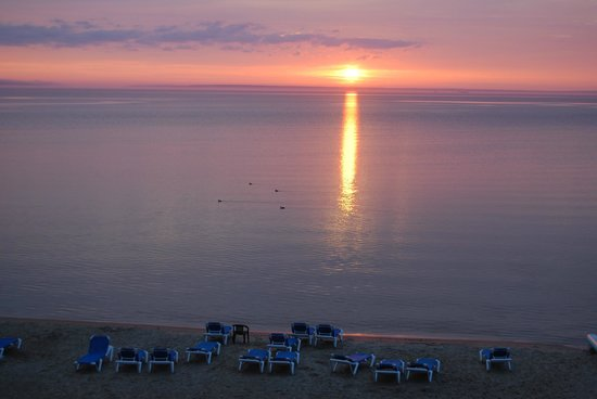 Clarion Hotel Beachfront: Tuesday morning sunrise