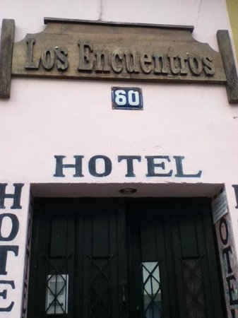 Hotel Los Encuentros: Outside
