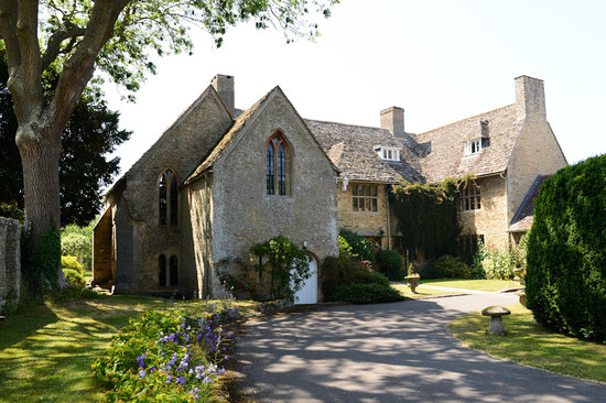 Charney Manor: Back view of the Manor