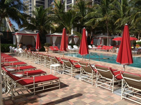 Acqualina Resort & Spa on the Beach: One of hotel pools