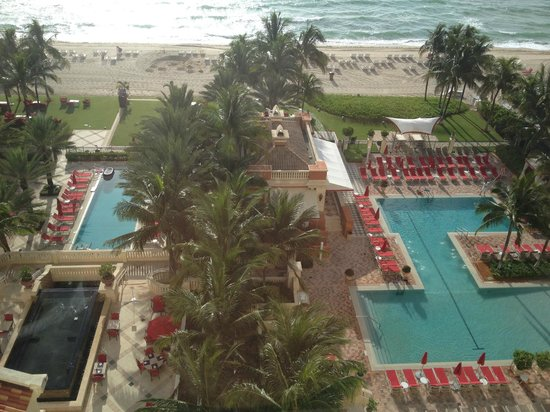 Acqualina Resort & Spa on the Beach: View from balcony