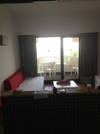 Hotel Manar: seating area / sofa bed of Double Family room.