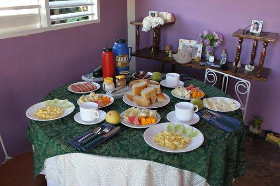 Hostal Orquidea y Luis : colazione