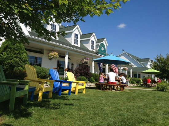 Door County Coffee and Tea Co.: Enjoy lunch or a coffee outside!