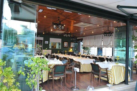 Cristalera Picture Of Restaurante La Gola Isla Cristina Tripadvisor