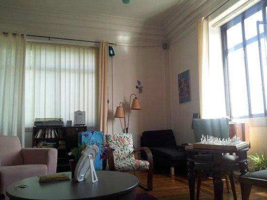 Sunset Destination Hostel: Living room