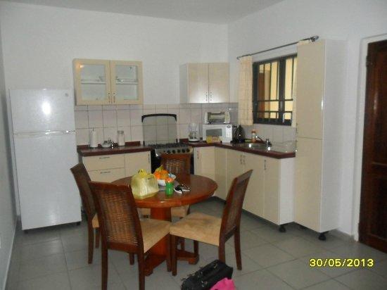 Rachel's Apartments: keuken