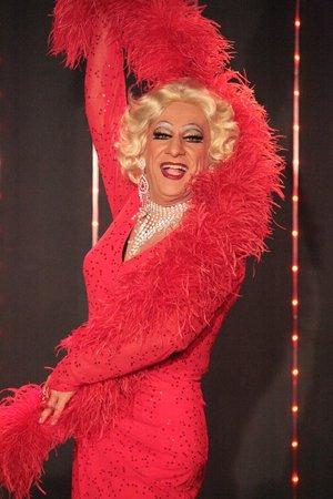 Cabaret Chez Nello : LA MESEUSE EST PRETE A VOUS DISTRAIRE...