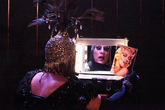 Cabaret Chez Nello : MOMENT DE VERITE