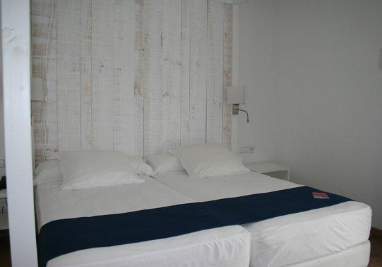 Hotel Medium Sitges Park: chambre