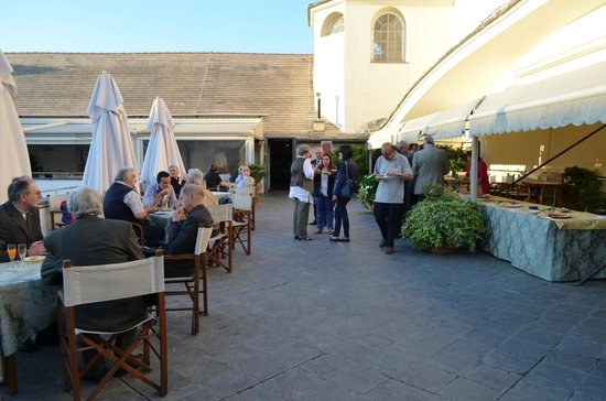aperitivo a buffet - Foto di Le Terrazze del Ducale, Genova ...