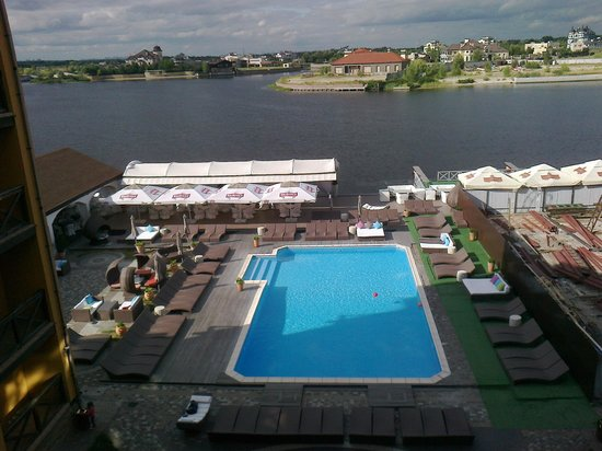 """Hotel """"Old Vienna"""": Patio and pool  view"""