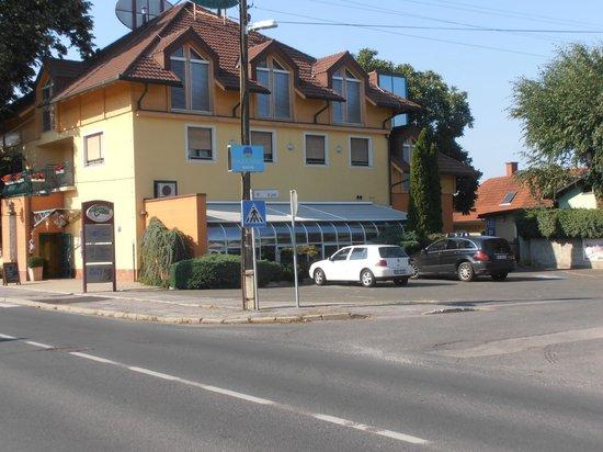 Motel pri Lesniku: Hotel