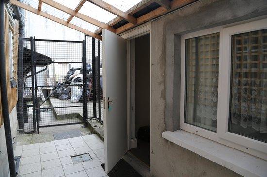 Citi Hostels : Habitación por fuera