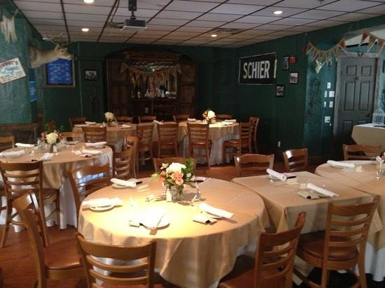Saltgrass Steak House: party time