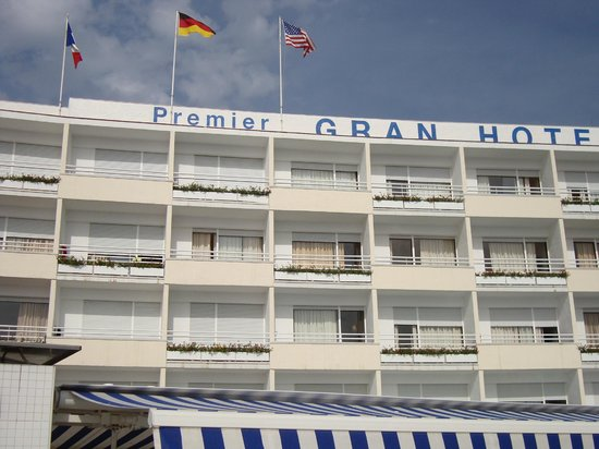 Premier Gran Hotel Reymar & Spa: External shot of Hotel