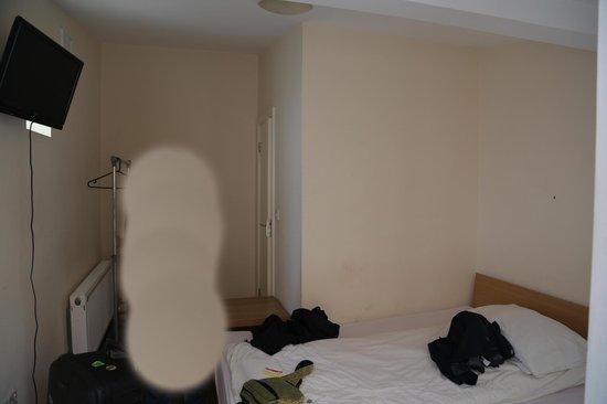 Citi Hostels: Lo borrado es una persona, habitación doble con baño
