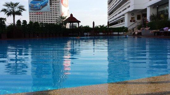 Centre Point Silom: piscina