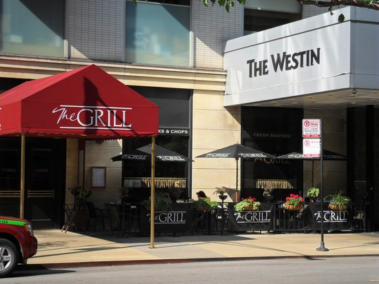 The Grill on the Alley: Outdoor seating area next to the Westin.