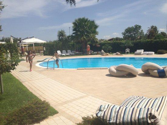 A bordo piscina foto di casa ciomod modica tripadvisor - Bordo piscina prezzi ...