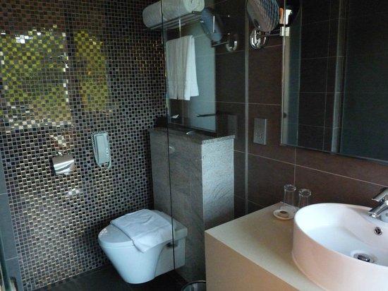 Wangz Hotel: Badezimmer