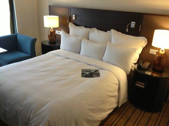 Renaissance Amsterdam Hotel: Habitación super cómoda!!