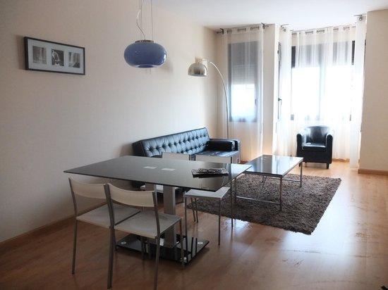 Villarroel Apartments: Dining Table and Living Room!