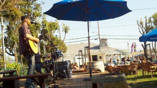 Rosenthal Wine Bar & Patio : Usual live entertainment