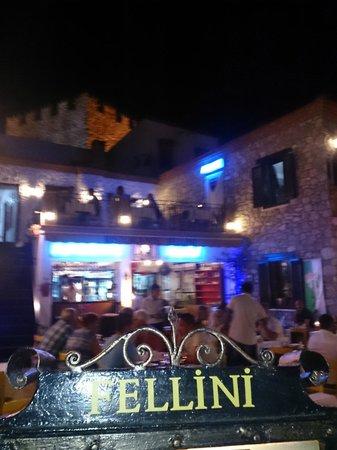 Fellini Restaurant: Looks Nice From Outside, Terrible Restaurant Though