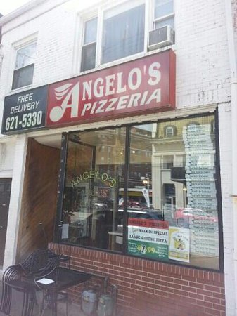 ‪Angelo's Pizzeria‬