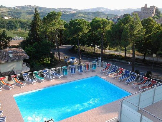 La piscina e la vista dalla nostra camera foto di hotel delle colline longiano tripadvisor - Hotel piscina in camera ...