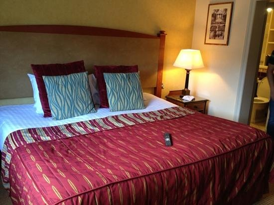 Carden Park Hotel: the huge and comfortable bed