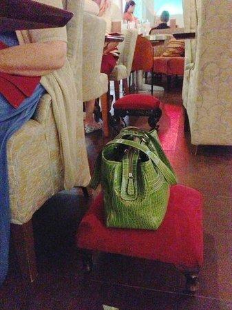 Marmalade Restaurant & Wine Bar: Purse Perch