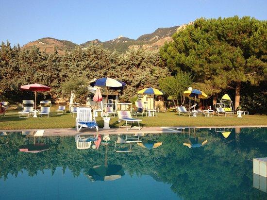 Hotel Corona: Piscina