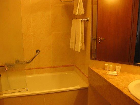 Residenza d'Aragona: bathroom