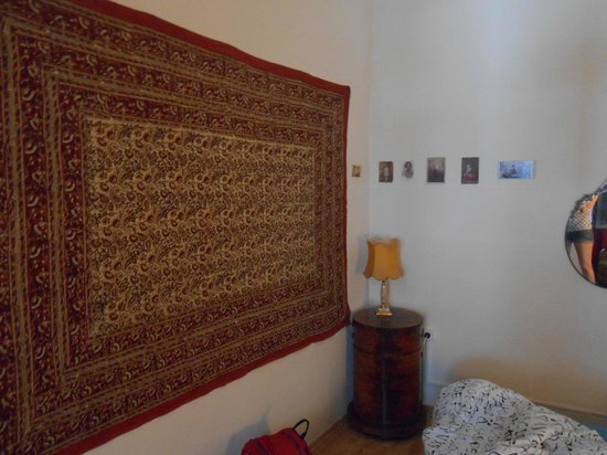 Lavender Circus Hostel: Double Room (next to main entrance)