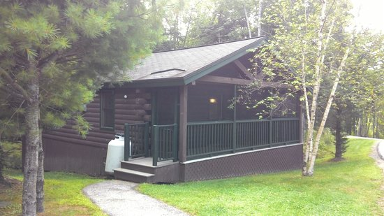 Point Lookout Resort: each log room